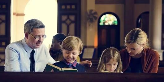 7 ích lợi của việc đến nhà thờ dâng lễ - Là dịp để hát ca