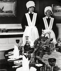 Bill Brandt - Parlourmaids ready to serve dinner - 1933