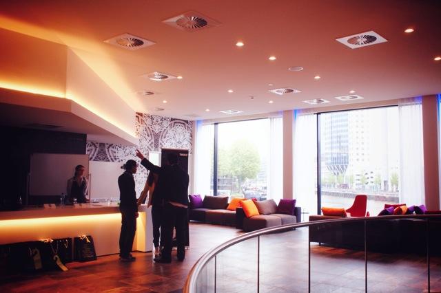 mainport lobby 3