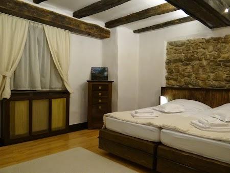 05. Camera din Padure - Castel Daniel.JPG
