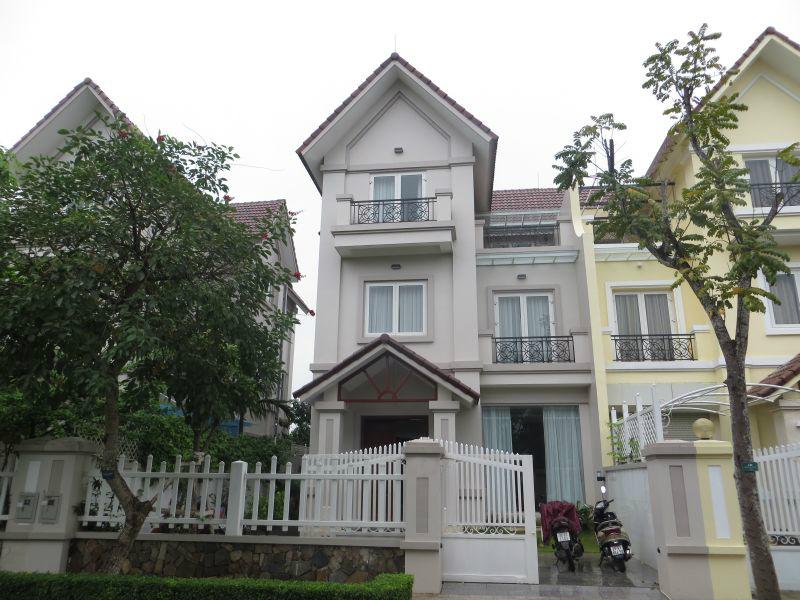 Cho thuê Biệt thự đường Huỳnh Văn Một Quận Tân Phú 02