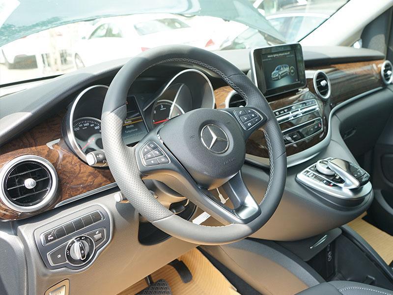 xe Mercedes Benz V220 Máy Dầu 018