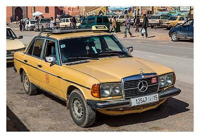 Im hohen Atlas: Überland-Taxi