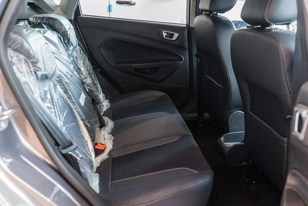 Nội thất xe ô tô Ford Fiesta 03