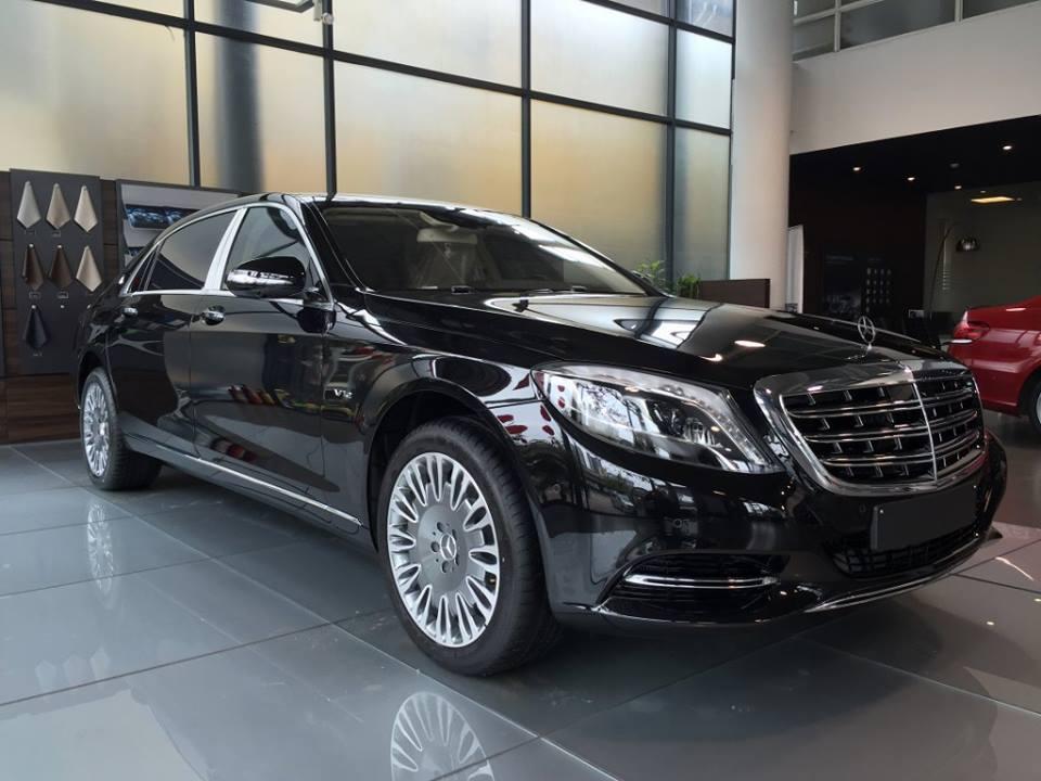 Xe Mercedes Benz S600 MAYBACH màu đen 01