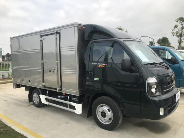 Xe tải Thaco Kia K250 2.4 tấn thùng kín
