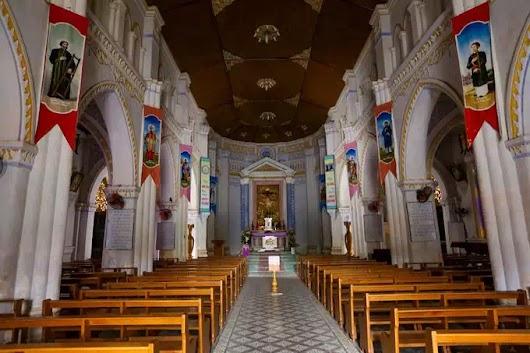 Trong nhà thờ Mằng Lăng ở Phú Yên còn lưu trữ cuốn sách đầu tiên in bằng chữ quốc ngữ của Linh mục Alexandre de Rhodes.