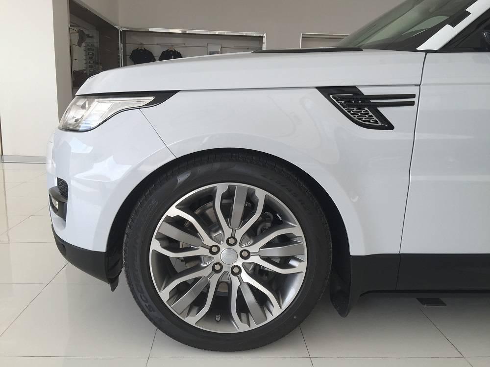 Xe Land Rover Range Rover HSE Sport Màu Trắng 03