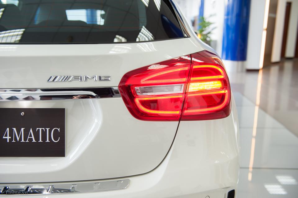 Xe Mercedes Benz GLA45 AMG 4Matic màu trắng 07