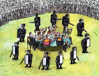 """""""Không phải quyền lực mà là sự sợ hãi làm cho người ta thối nát. Sợ mất quyền thế làm cho những kẻ đương quyền trở nên đồi bại, và sợ bị những kẻ quyền thế trừng phạt làm cho những người bị trị sai lạc."""" — Aung San Suu Kyi"""