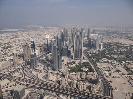 Dubai vazut din Burj Khalifa