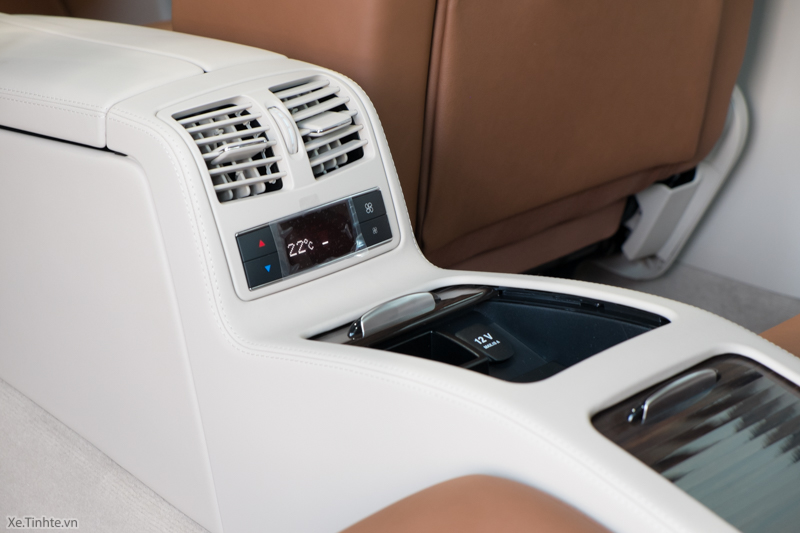 Xe Mercedes Benz CLS500 New Model màu trắng 026