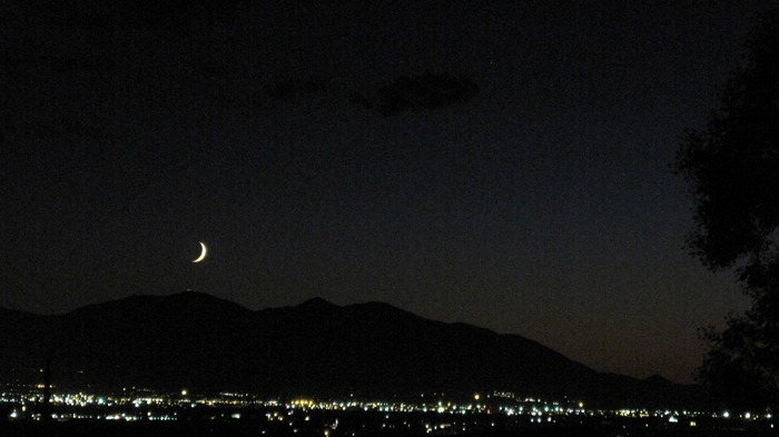 moon setting in Salt Lake City Utah