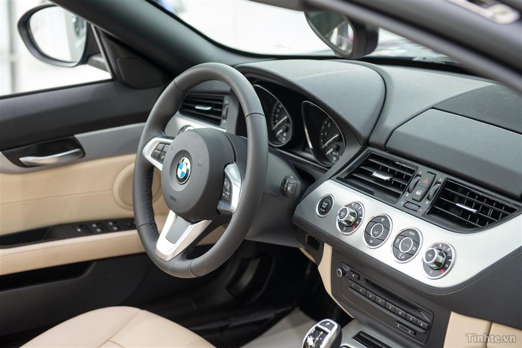 Xe BMW Z4 20i sDrive 016