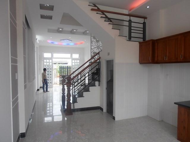 Bán nhà Mặt Tiền đường Trần Thủ Độ Quận Tân Phú 01