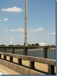 1269 Washington, DC - I-66 (US 50) - Theodore Roosevelt Memorial Bridge crossing Potomac River - view of Washington Monument (left) & Lincoln Memorial (right)