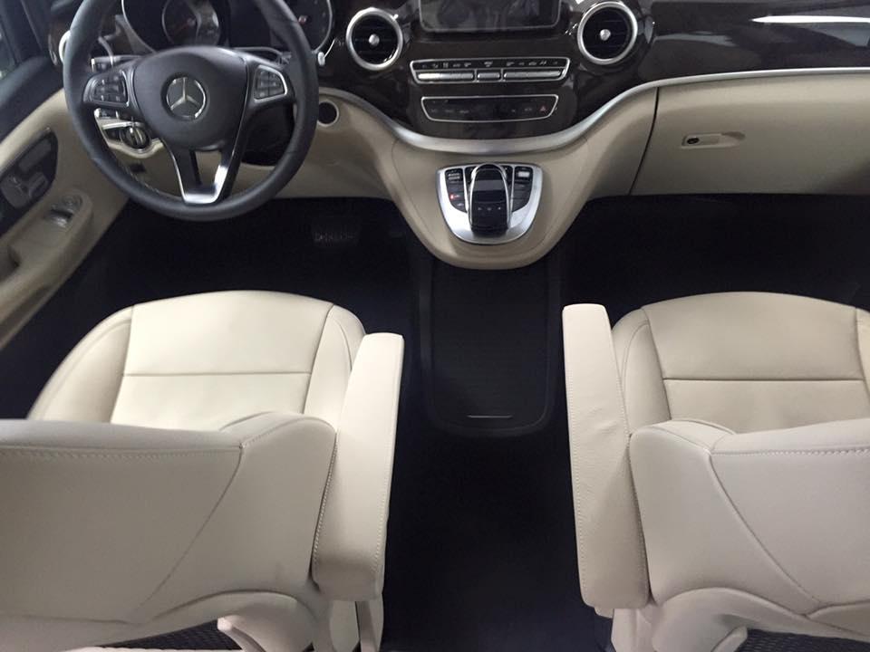 xe Mercedes Benz V220 Máy Dầu 7 chỗ Màu Trắng 09
