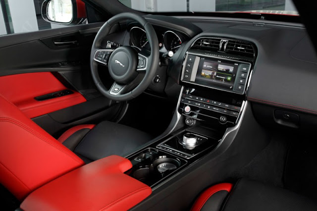 Xe Jaguar XE phiên bản thể thao 4