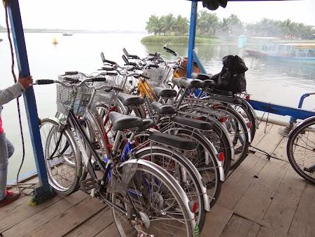 03. Biciclete pe ferry.JPG