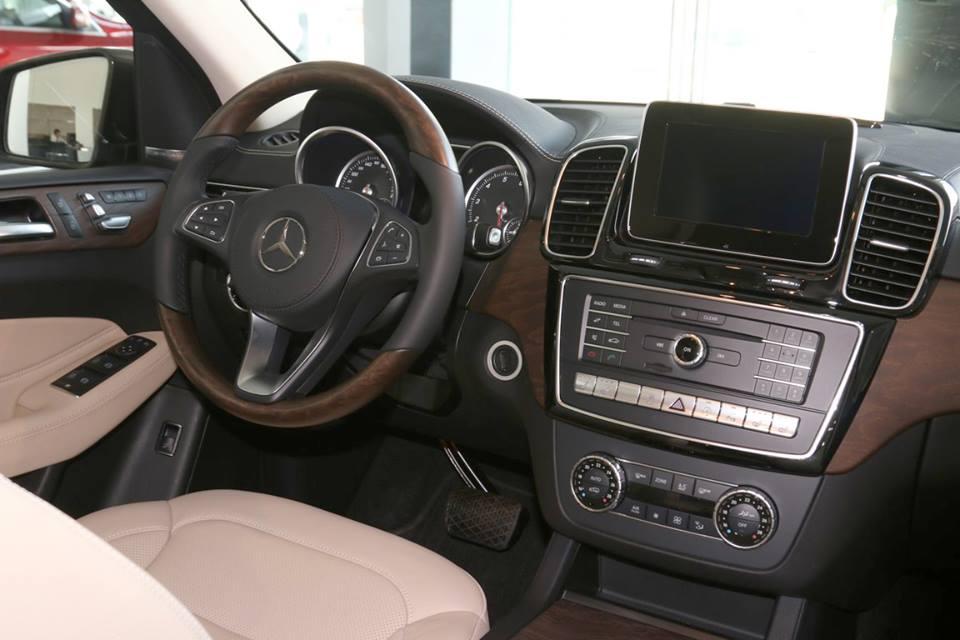 xe Mercedes Benz GLS 400 thế hệ mới 017