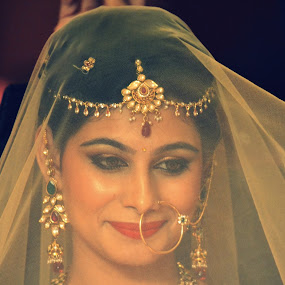 Royal Bride by Shrey Chohan - Wedding Getting Ready ( love, wedding, happiness, candid, marriage, bride, photography, Wedding, Weddings, Marriage )