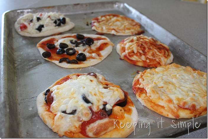 personal mini pizza (8)