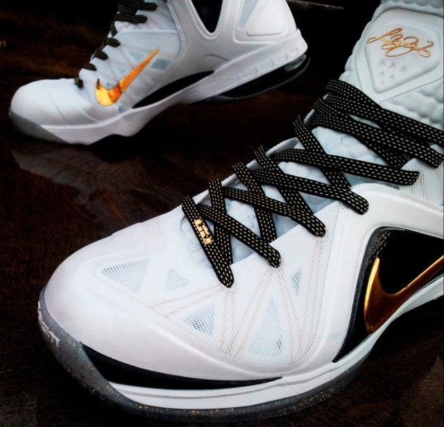 newest 468f3 db882 ... Lace Swap Nike LeBron 9 PS Elite Home with Away Kevlar Laces ...