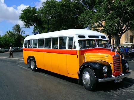 03. Autobuze retro  Malta.JPG