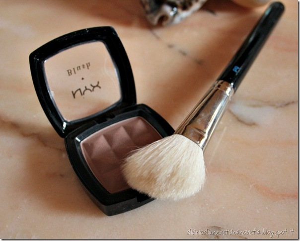 my contour kit nyx blush bdellium brush