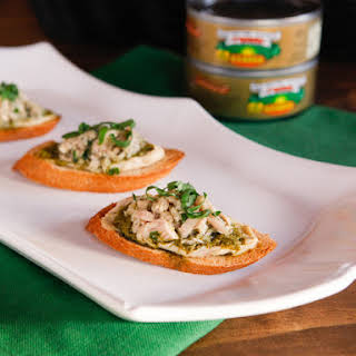 Mediterranean Tuna Hummus Crostini.