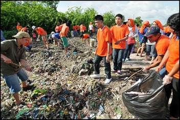 Manila Bay Cleanup Drive Initiated by Villar Foundation & Manila Broadcasting Company