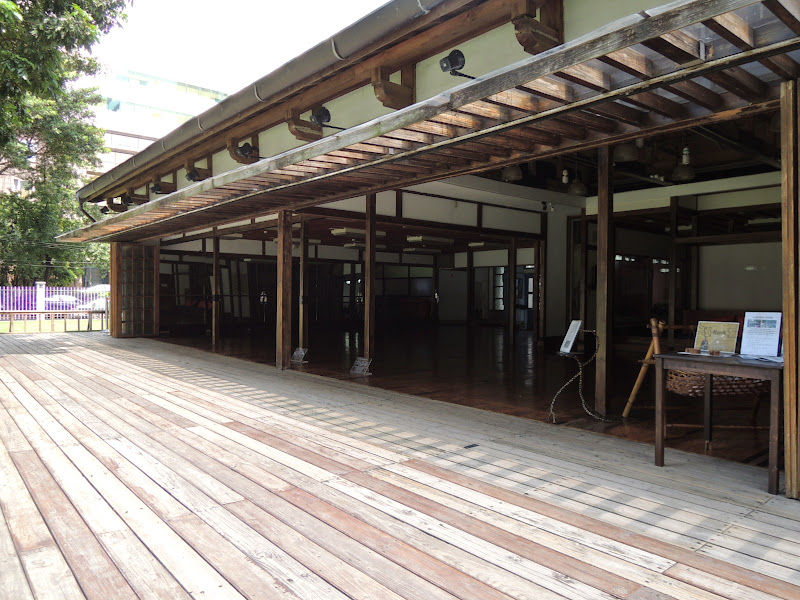 跳舞咖啡廳旁建築物.JPG