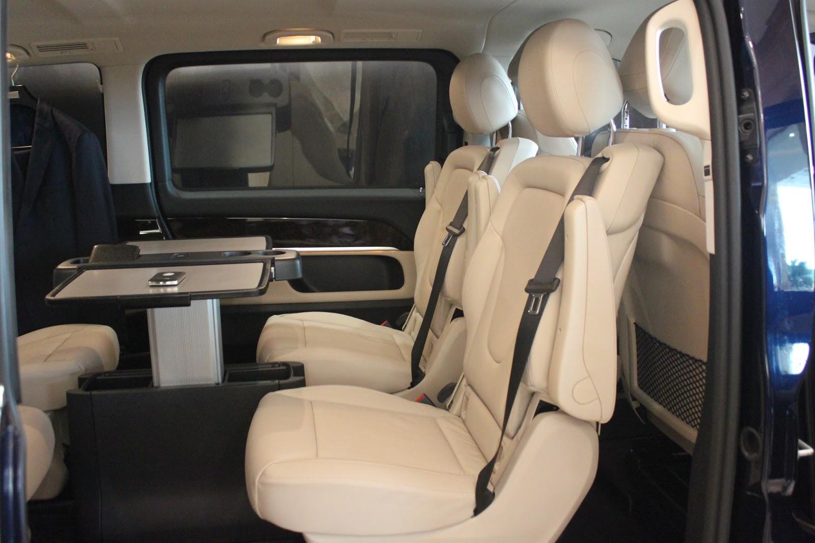 Nội thất xe Mercedes Benz V250 Avantgarde Máy Xăng màu trắng 012