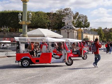 Obiective turistice Franta: Tuk tuk in Paris