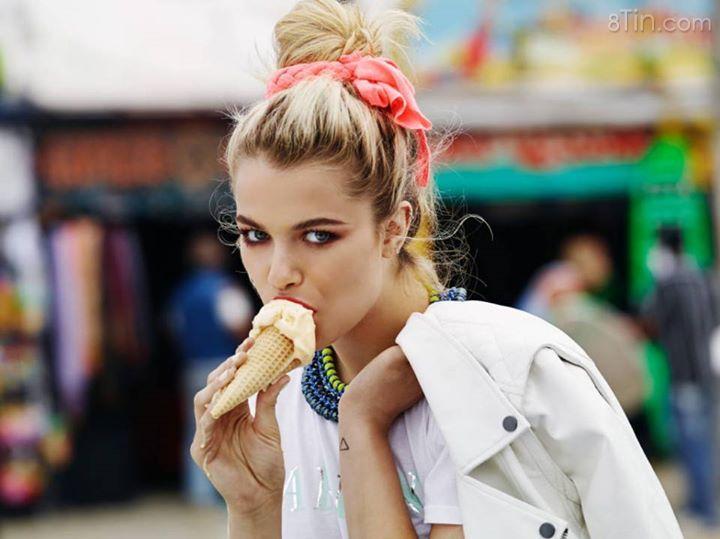 Đang bận ăn kem, khôn hồn chớ lại gần :)))