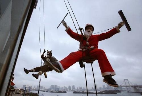 world_celebrating_christmas_01.jpg