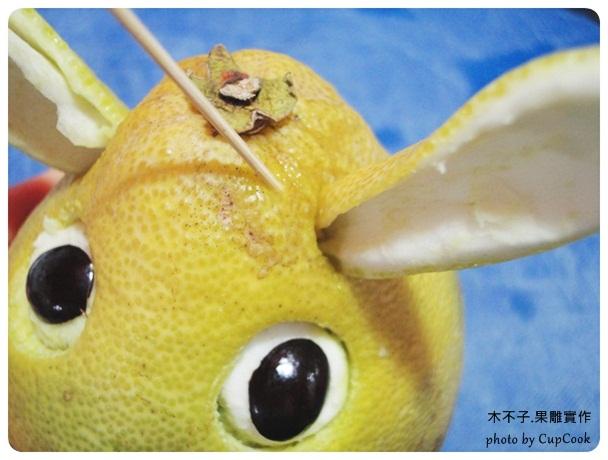 果雕龍貓 16 耳朵