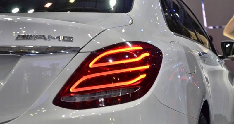 Giá xe Mercedes Benz C300 AMG New Model 04