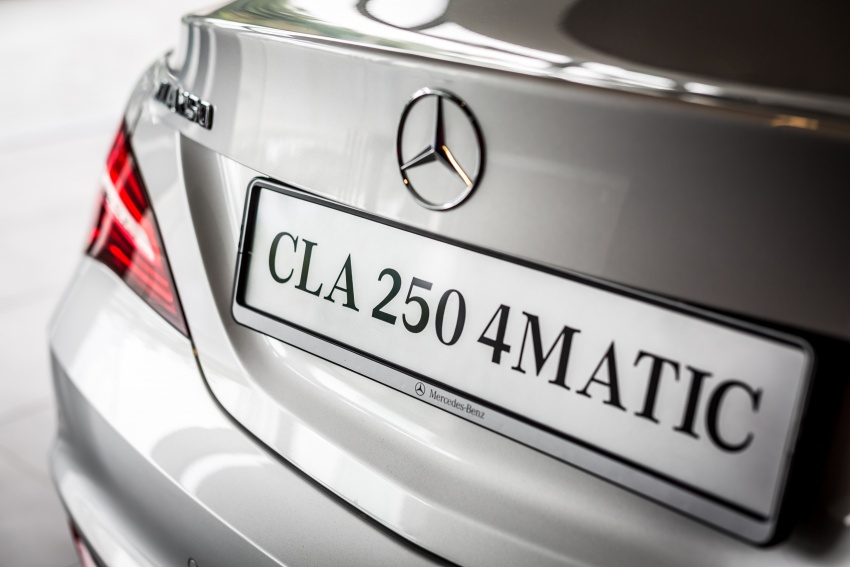 Xe Mercedes Benz CLA250 4Matic 07