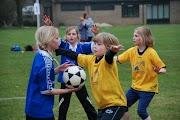 Schoolkorfbaltoernooi ochtend 17-4-2013 248.JPG