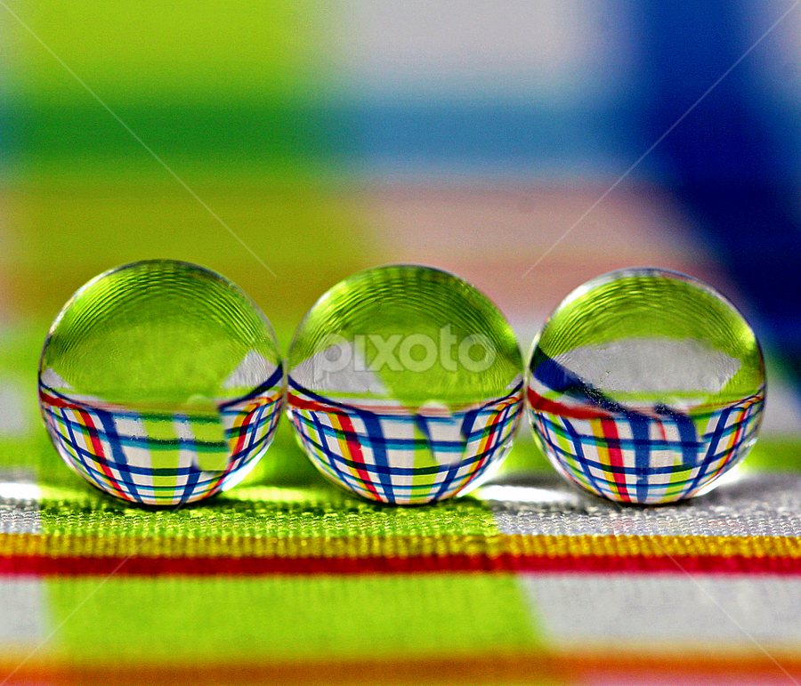 by Dipali S - Artistic Objects Glass ( abstract, balls )