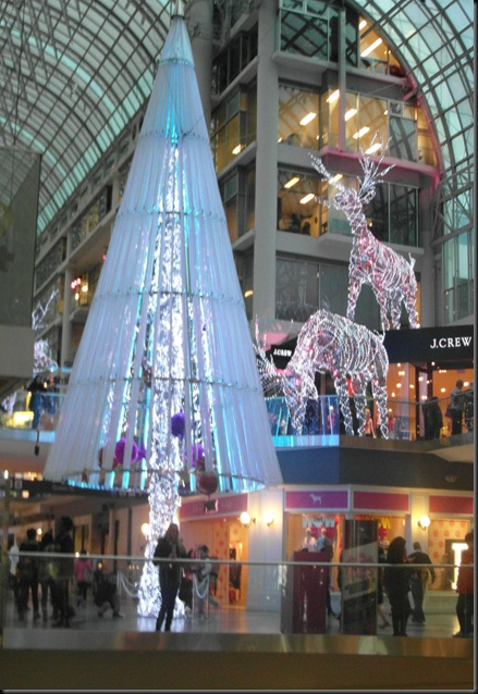 Xmas lights at Eaton Centre (10)