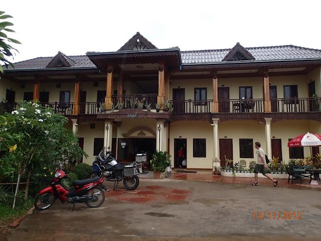 יום גשם בעיירה בלאוס - לואנג נאמטה 038.JPG