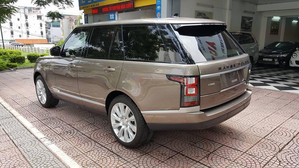 Ngoại thất xe Range Rover HSE Màu Vàng Cát 04