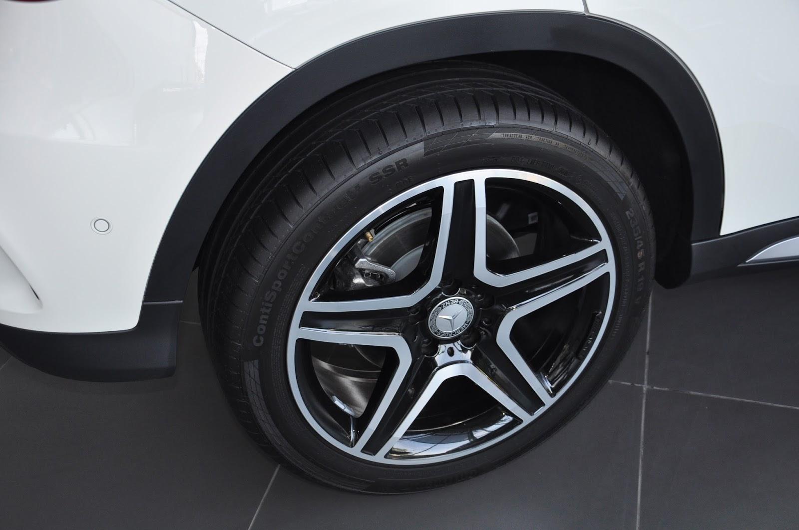 Xe Mercedes Benz GLA 250 4Matic màu trắng 06