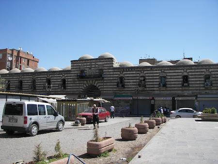 Obiective turistice Kurdistan: hanul Hasan Pasa