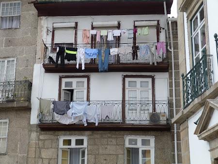 Imagini Portugalia: rufe agatate la uscat la Guimaraes