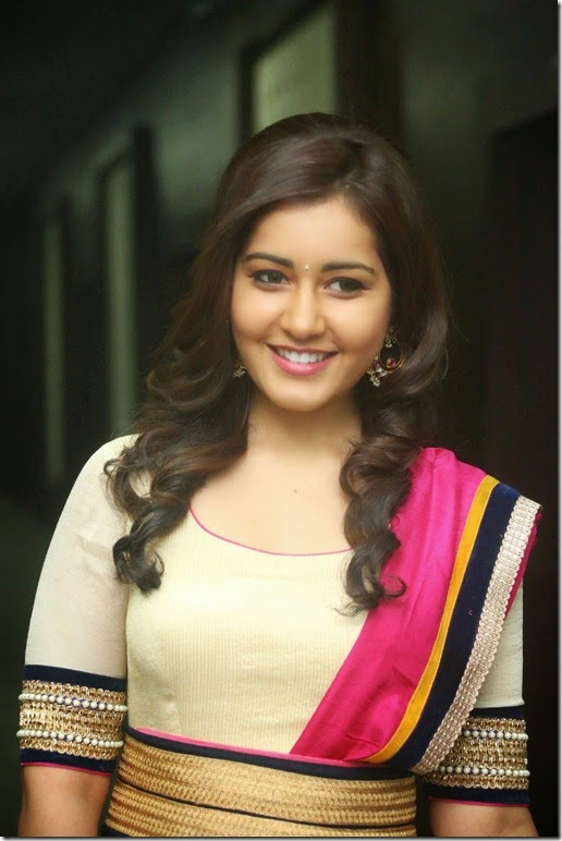 rashi_khanna_cute_still