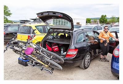 Mega Switzerland - Cachemobil mit Fahrrädern
