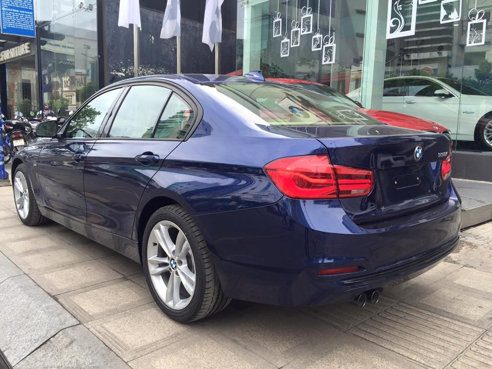 Xe BMW 330i new model 05